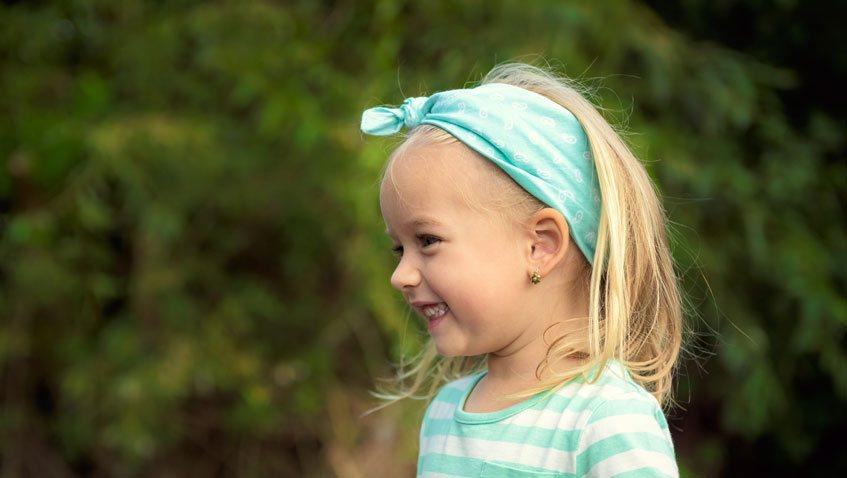 проколоть ребенку уши